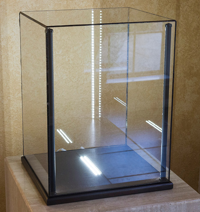 Mineral Display Case - Greenstone Lighted Display Cases For Minerals, Art, Curios